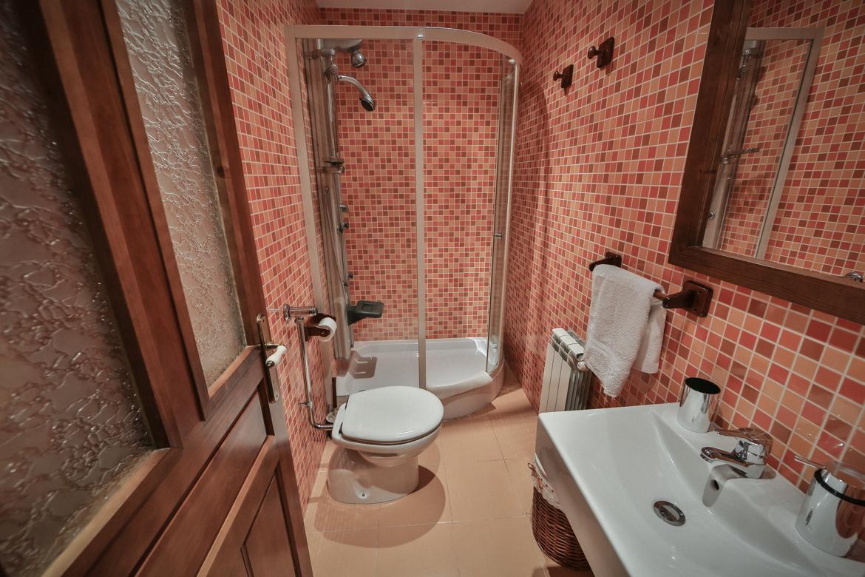 Habitación 02 con baño